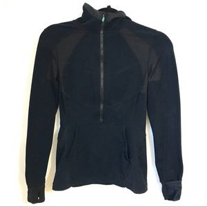 Lululemon black half zip Pullover size 4